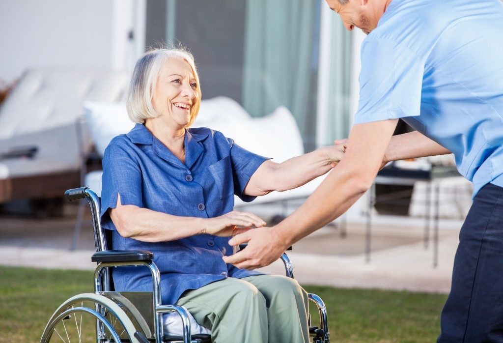 Volunteering in a hospice care facility
